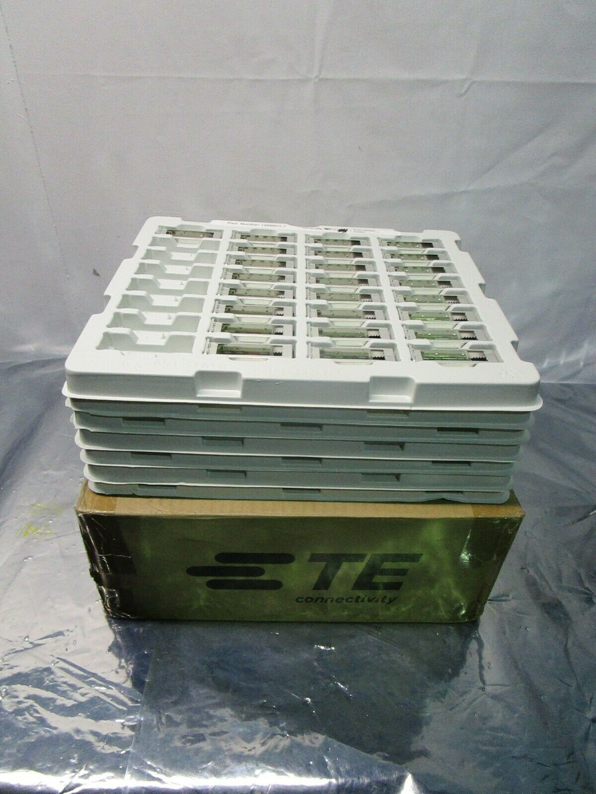 1 Lot of 217 TE Connectivity 1489951-1 XFP, XFP, Cage Assembly, 102551