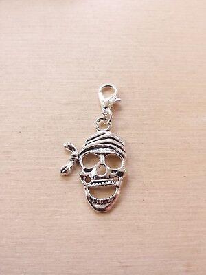 Totenkopf Anhänger mit Karabiner * Pirat Halloween * Schmuck Deko Charms Silber