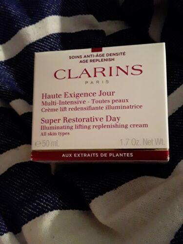 Clarins Super Restorative Day All Skin Types