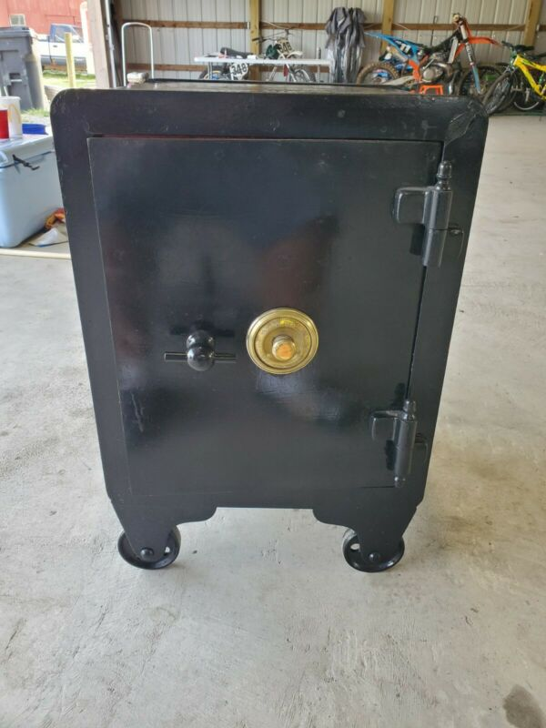 Antique Safe  made by Wehrle co. Newark Ohio w/ Working Combo Buyer Must Pickup