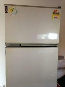 405 L Fridge - Frost Free/White/Fisher & Paykel/White/Excellent Pennant Hills Hornsby Area Preview