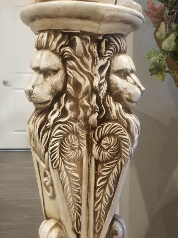 VTG PLASTER CERAMIC ITALIAN  NEOCLASSICAL LIONS COLUMN PLANT STAND 2 AVAILABLE
