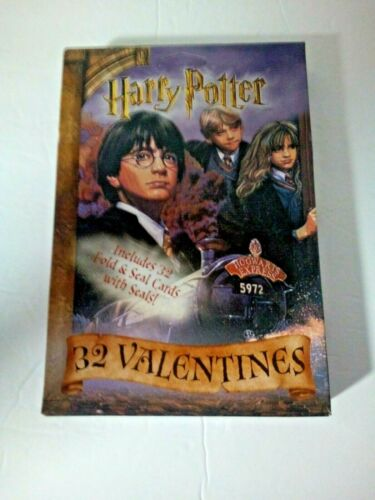 Harry Potter Valentines day Cards 32 cards  unopened unused hogwarts express.