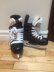 Youth 12 Bauer Hockey Skates