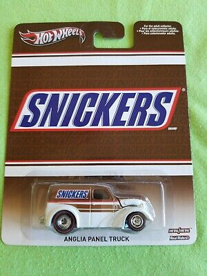 2013 Hot Wheels Pop Culture ANGLIA PANEL TRUCK Snickers EXCELLENT CARD