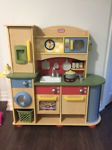 Little Tikes Cooking Creations Wooden Kitchen & EXTRAS
