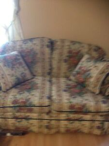Almost new furniture London Ontario image 7