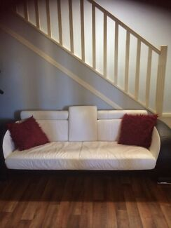 6 Seater leather lounge  Kingswood 2747 Penrith Area Preview