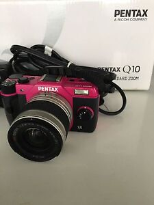 Pentax Q10 with standard zoon