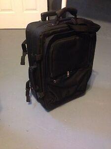 Valise sur roulette 21'' X 14'' se transforme en sac a dos