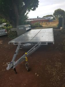 5mx2.5m Flatbed triaxle trailer