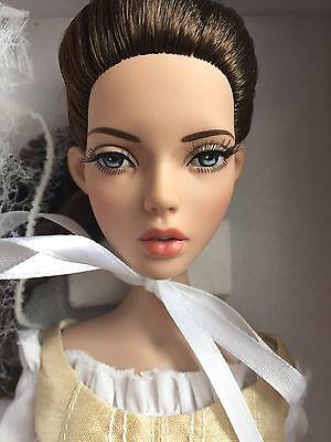 Tonner 16  2014 Deja Vu Anne De Leger Basic Brown Fashion Doll Nrfb Le 500