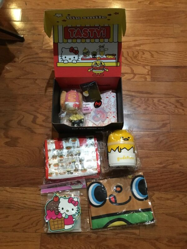 Sanrio x Loot Crate Box (Tasty) ~~ NIB