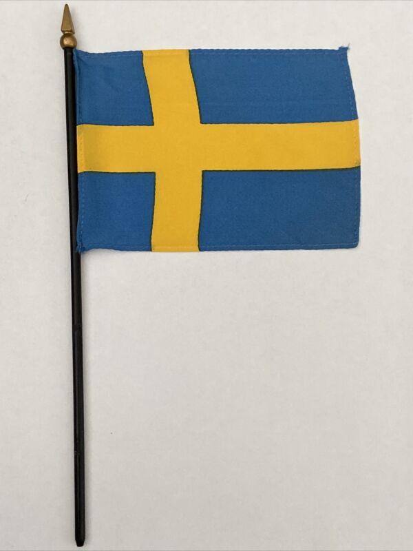 "New Sweden Mini Desk Flag - Black Wood Stick Gold Top 4"" X 6"""