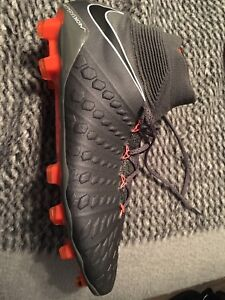 Nike Hypervenom Phantom III Dynamic Fit FG (Never worm)