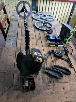 Minelab GPExtreme Gold Metal Detector Prosonic 2 Coils Extras