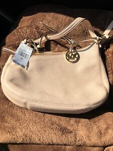 Micheal Kors purse - new with tags