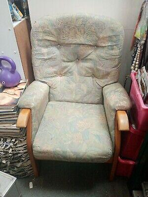 Armchair. Vintage Retro Green Floral. Used READ DESC
