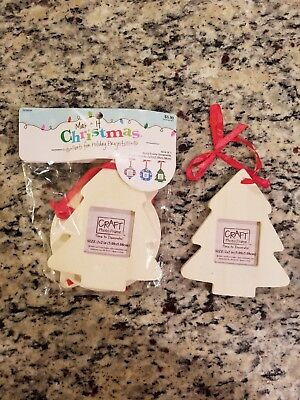 MAKE IT CHRISTMAS HOLIDAY ORNAMENT FRAMES TO DECORATE 3 PACK WOOD NEW ()
