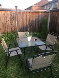 Table garden with 4 chairs  .
