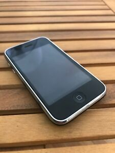 Working iPhone 3GS 32GB
