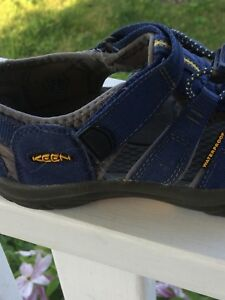 Boys Keen sandals.  Very good condition.