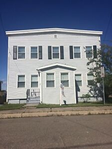 434 Lancaster #2 - Large 2BR West, Heated, W/D,Basement/Yard™