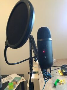 Blue yeti + pop filter et boom arm