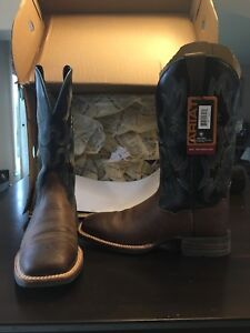 Brand new in box - men's ariat leather cowboy boots - size 8