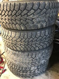 4x pneu hiver 205/55R16 Goodyear