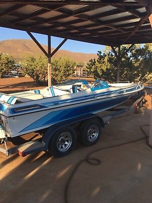 Ski Boat for Sale 1987 21 foot unfastened bow