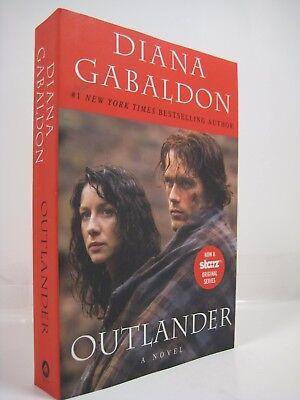Outlander: Outlander 1 by Diana Gabaldon (2014, Full Size Softcover/Paperback)