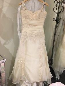 Pronovias gown Taylors Hill Melton Area Preview