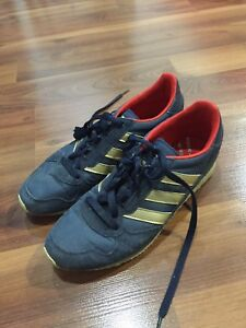 Adidas casual shoes size 7.5