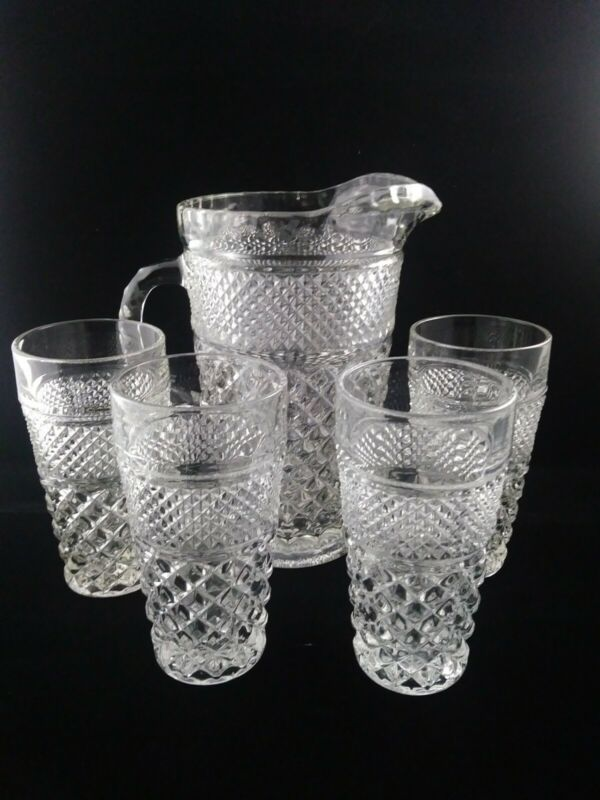 Vintage anchor hocking wexford glass 64 oz. Pitcher with 4 - 16 oz. Tumblers.