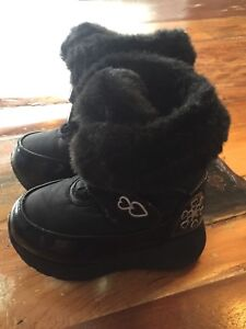 Cougar winter boots size 7 toddler