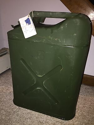 VINTAGE MARINES ARMY Old Green Metal US MILITARY JERRY JEEP 5 Gal. GAS FUEL CAN