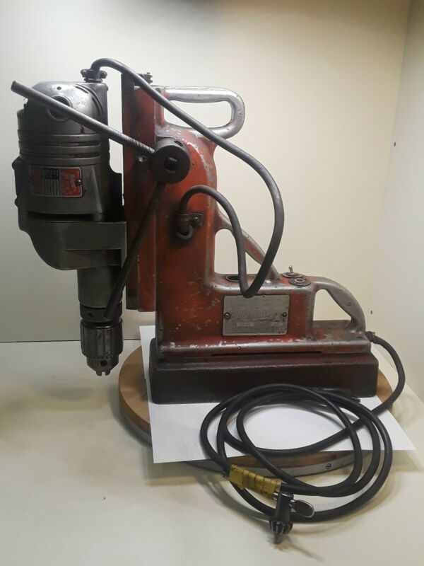 "Milwaukee Magdrill Magnetic Drill Press, Model 4280-1/4220 3/16""-3/4"" Chuck"