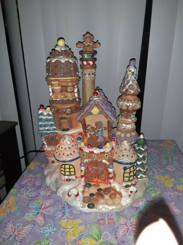 """Holiday Living Fiber Optic Gingerbread House, 15"""", Moving Figures,  In Box, VGC"""