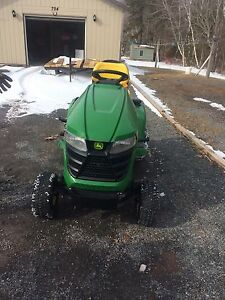 Lawnmower with snowblower