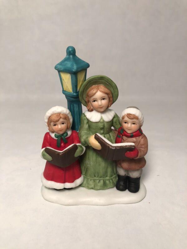 Lefton Colonial Village Caroling trio 00218 1991