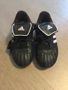 Girls Adidas Soccer Shoes - Size 12