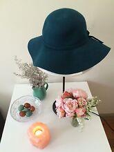 Dark teal felt women's hat Cottesloe Cottesloe Area Preview