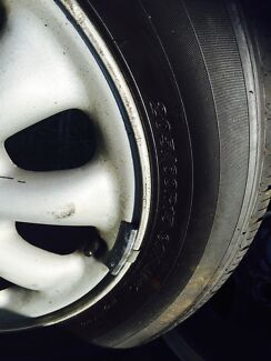 15inch tyres size 205/60/15 set of 4 in excellent condition  Casula Liverpool Area Preview