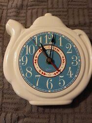Vintage Elgin Quartz Coffee Tea Pot Kitchen Wall Clock - White & Blue - Battery