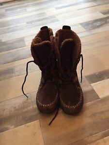 Bottes timberland. t.13 pour fille