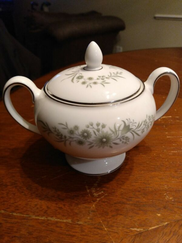 Wedgewood Westbury Sugar Bowl With Lid