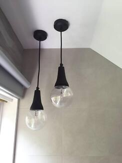 20 X HANGING PENDANTS WITH GLOBES
