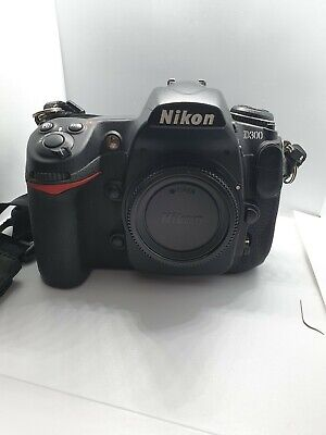 Nikon D300 12.3MP Digital SLR Camera - (Body only), Very good condition
