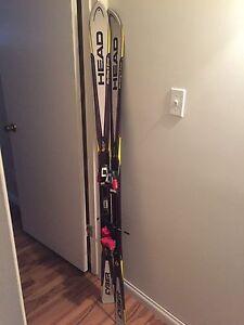 Downhill (Alpine) skis